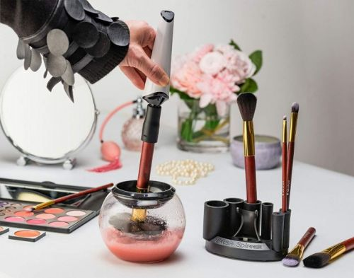 These Automatic Makeup Brush Cleaners Are Serious Game-Changers For Beauty Connoisseurs