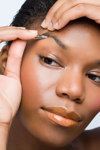 Expert Lori Dior Offers Tips For DIY Brow Grooming