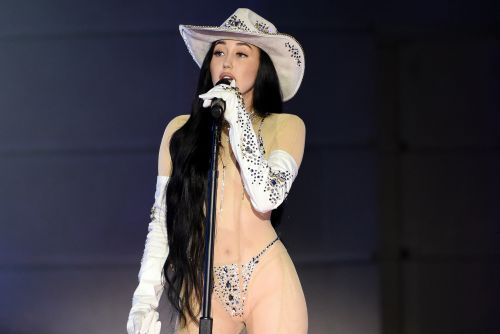 Noah Cyrus strips down to sheer outfit for CMT Awards 2020 performance