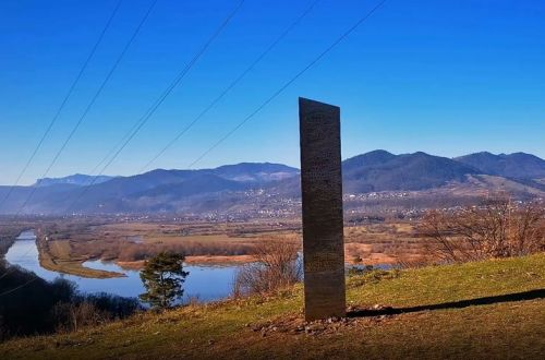 Aliens, a marketing ploy, or an artist? Another monolith appears in Romania