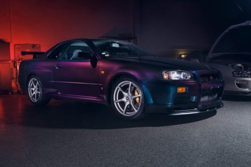 """This 1999 Nissan Skyline GT-R V-Spec in """"Midnight Purple II"""" Is the One to Buy"""