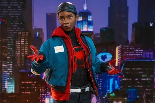 Hot Toys Drops Miles Morales 'Spider-Man: Into the Spider-Verse' 1/6th Figure