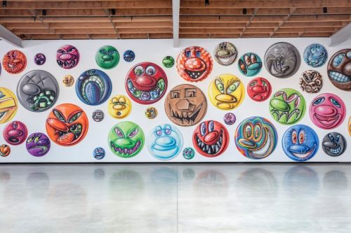 "Kenny Scharf Paints 250 Faces in Different ""MOODZ"""