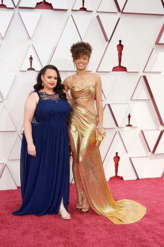 H.E.R.'s Purple Makeup Is the Most Exciting Beauty Look at the 2021 Oscars