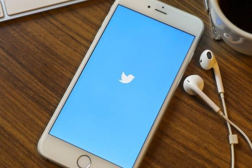 Twitter Is Testing a Crowdsourced Fact-Checking Feature