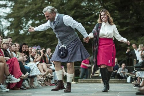 Dressed To Kilt Debuts Sir Sean Connery Tartan Modeled By His Grandaughters In A Stunning Tribute Show