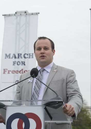 Josh Duggar Pleads Not Guilty to Child Porn Charges Following Arrest