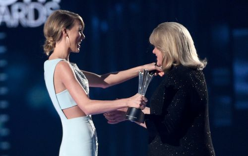 Taylor Swift Reveals Her Mother's Brain Tumor Diagnosis: 'It's Just Been a Really Hard Time'