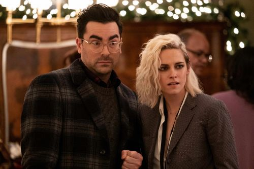 'Happiest Season' review: Star-studded cast comes 'out' for the holidays